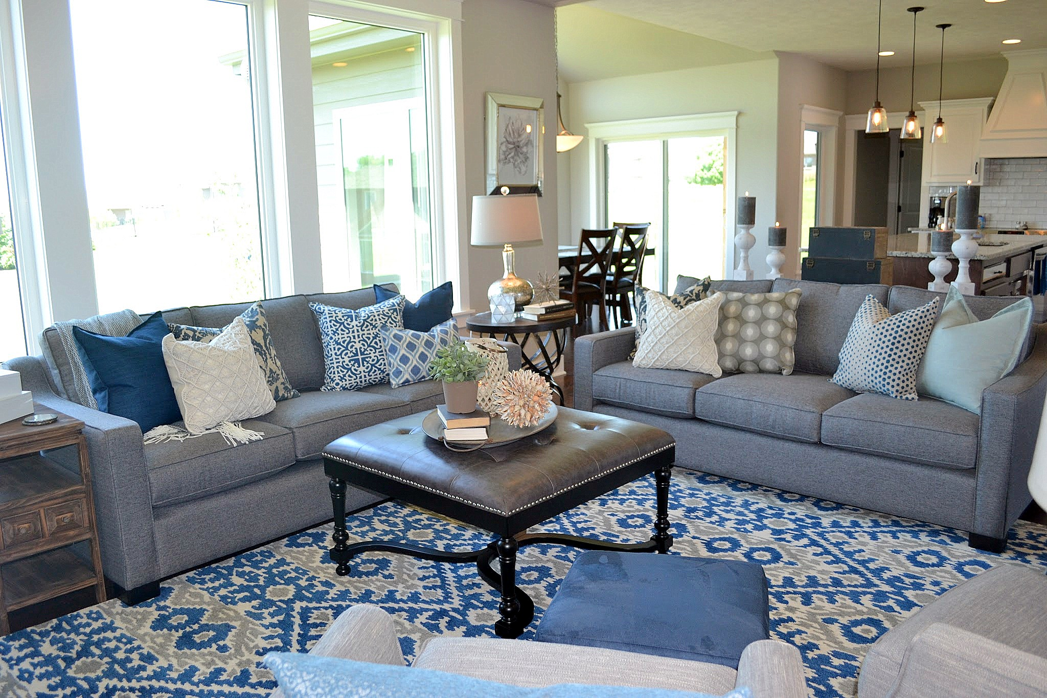Terrific Fluff Interior Design Blue Living Room With Two Sofas Dailytribune Chair Design For Home Dailytribuneorg